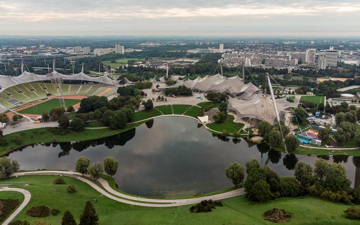 Olympiapark: Olympiasee, Olympiastadion, Coubertinplatz, Olympiahalle und Olympiaschwimmhalle München