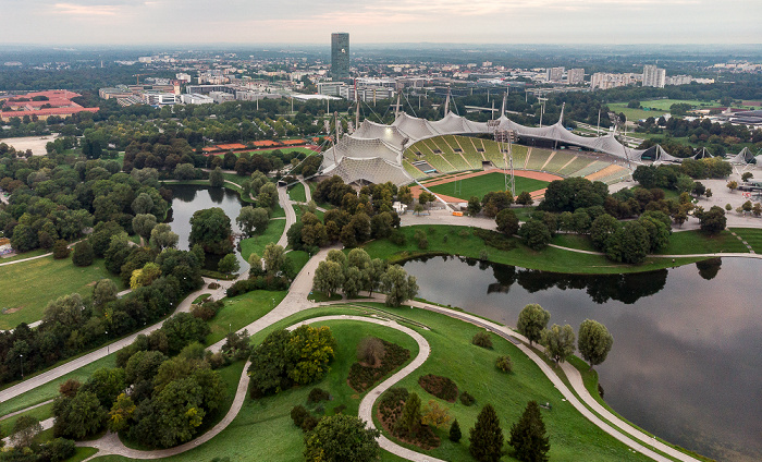 Olympiapark: Olympiasee und Olympiastadion München
