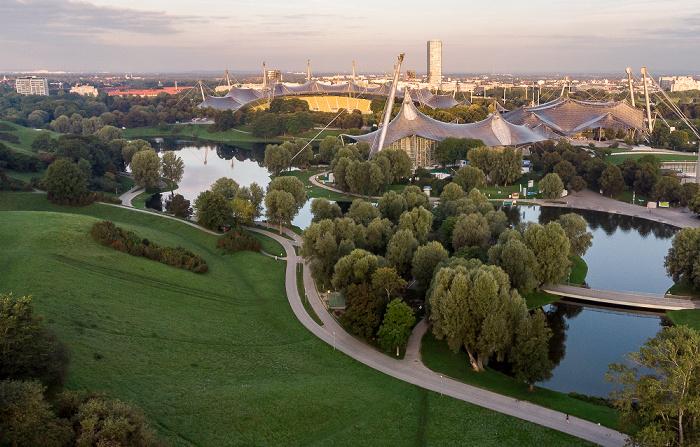 Olympiapark: Olympiasee, Olympiastadion, Olympiaschwimmhalle und Olympiahalle München