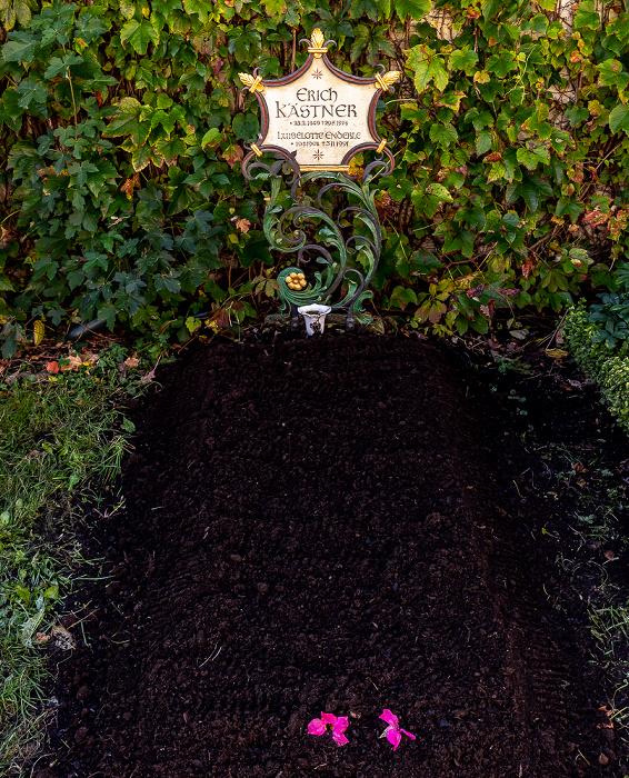 München Bogenhausener Friedhof (Friedhof St. Georg): Garabmal von Erich Kästner