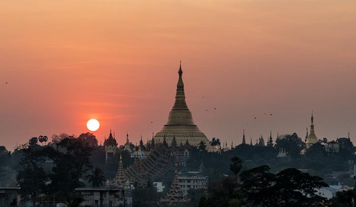 Yangon Blick aus dem Beauty Land Hotel: Shwedagon-Pagode