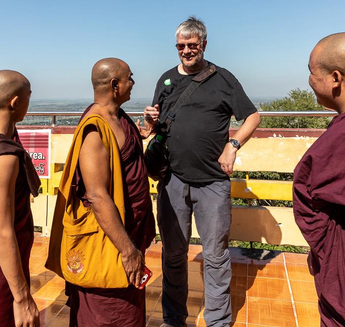 Mandalay Hill: Buddhistische Mönche und Jürgen