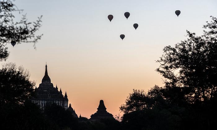 Bagan Heißluftballone Thatbinnyu-Tempel