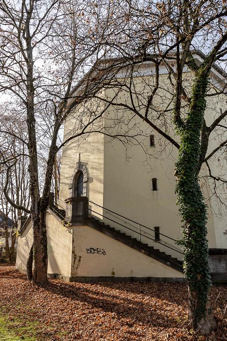 Berg am Laim: Hochbunker Sonnwendjochstraße München