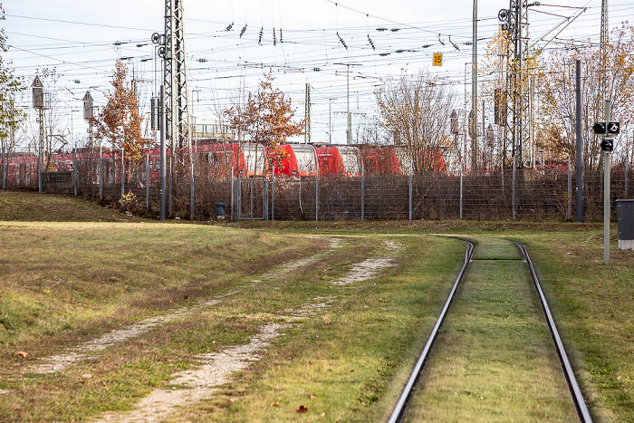 Bogenhausen: Straßenbahnhaltestelle Berg am Laim Bahnhof, S-Bahn-Betriebshof Steinhausen München