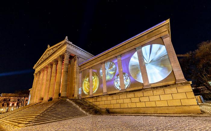 Lichtaktion Kunstareal: Installation Inside Out - Königsplatz mit Staatlichen Antikensammlungen München