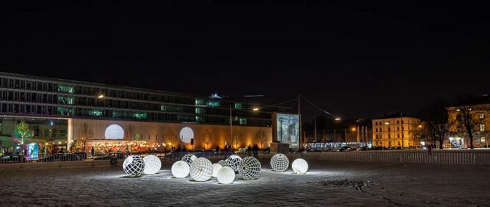 Lichtaktion Kunstareal: Installation Licht Kugeln München
